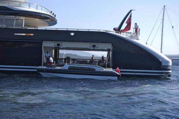 serene_yacht_tender